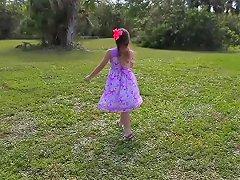 19yo Teen Hunts Easter Eggs To Spread Her Legs