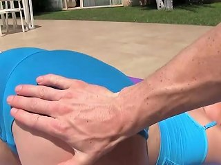 Yoga Instructor Gives A Messy Facial To A Sweet Teen