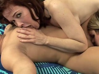 Hot Brunette And Two Midget Sisters Make Love