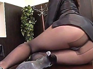 Fucking A Gorgeous Office Babe Feature