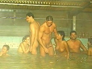 5 On 5 Orgy In The Pool Fisting Peeing