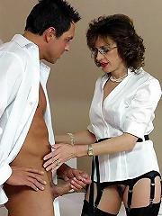 Lady Sonia Get A Cumload